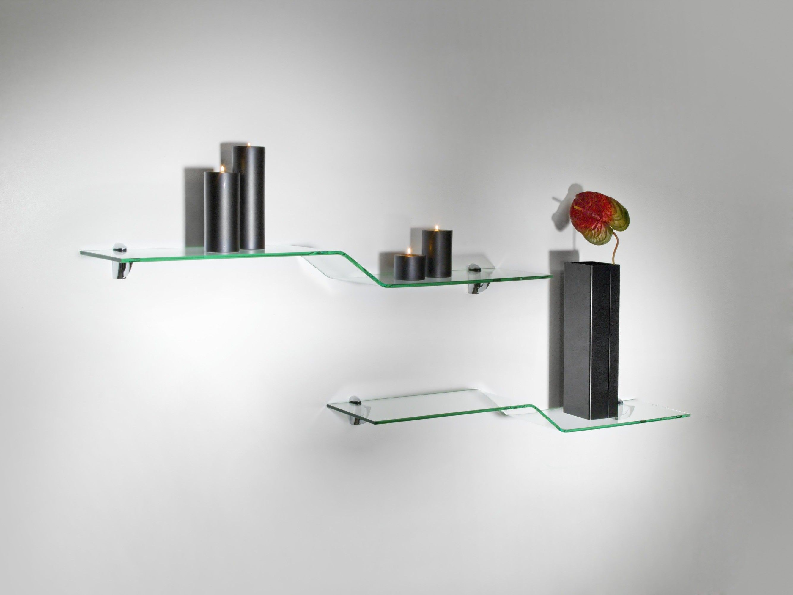 Mensole in vetro curvato: soluzioni di design per la tua parete