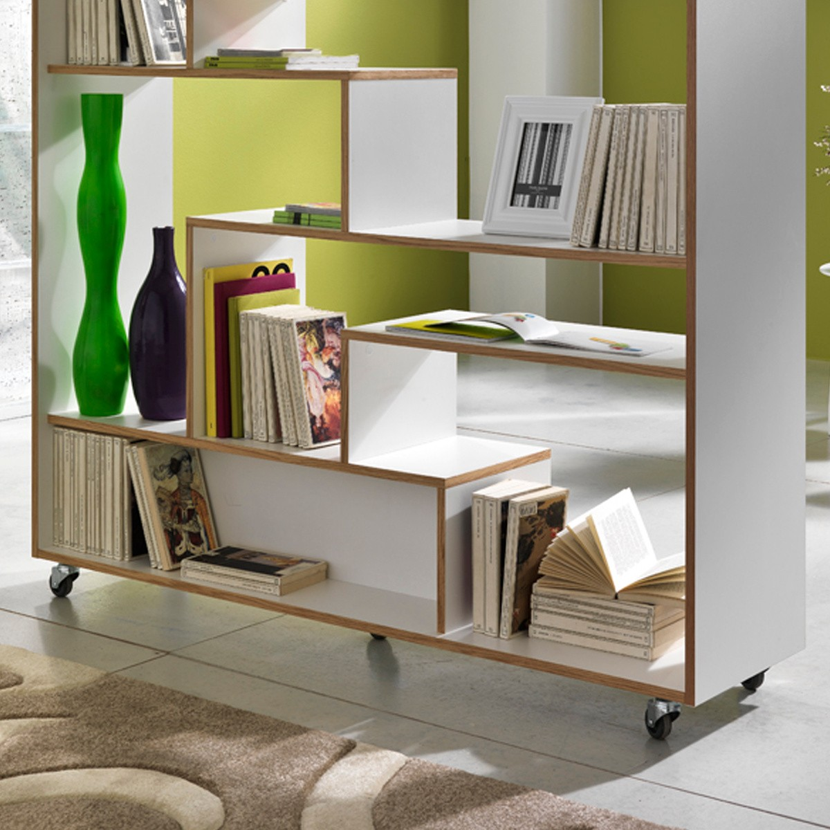 Libreria su ruote moving in legno laccato bianco 145 x 160 cm for Librerie in legno componibili