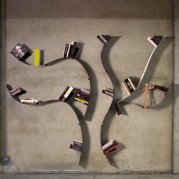 Libreria da parete in metallo a forma di albero Wallboarding A