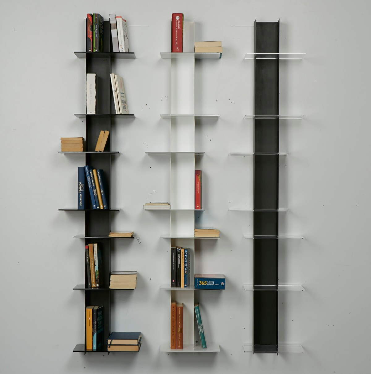 Libreria Verticale In Metallo.Libreria Da Parete In Metallo Colore Nero E Bianco Elib7